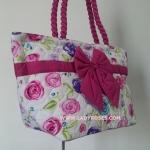 กระเป๋าสะพาย นารายา Size L ผ้าคอตตอน พื้นสีขาว ลายดอกไม้ หลากสี ผูกโบว์ สายหิ้ว หูเกลียว (กระเป๋านารายา กระเป๋าผ้า NaRaYa กระเป๋าแฟชั่น)