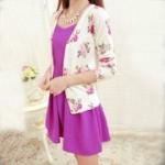 เสื้อคลุมแฟชั่น : เสื้อฝ้ายผ้าสำลี  สีขาว พิมพ์ลายกุหลาบ สีชมพู กระดุมผ่าหน้า สวยน่ารักมากๆค่ะ