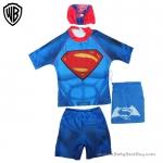 ( For Kids ) ชุดว่ายน้ำเด็กผู้ชาย Superman มาพร้อมกับเสื้อแขนสั้นสกรีนโลโก้ ซุปเปอร์แมน กางเกงขาสั้น สีน้ำเงิน มาพร้อมหมวกว่ายน้ำและถุงผ้า สุดเท่ห์ ใส่สบาย ลิขสิทธิ์แท้