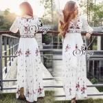 BEST SELLER-Restock ของเข้าเพิ่มแล้วนะคะ รอบนี้มา SM นะคะ Sevy Embroidered Bohemian V-Neck Long Sleeve Masi Dress Type: Maxi Dress Fabric: Cotton+Rayon Detail: Maxi เดรสยาวสไตล์โบฮิเมี่ยนสีขาว ปักลายดอกโทนสีสดใสเรียงรายอย่างสวยงาม ดีเทลช่วงอกเป็นเชือกแบบผ