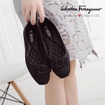 รองเท้า Style Ferragamo ทำจากผ้าซาตินพื้นบุนวมนิ่ม