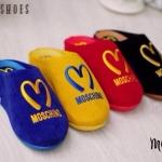 รองเท้าเพื่อสุขภาพ รุ่นหัวปิด วัสดุทำจากผ้ากำมะหยี่ปักรูปหัวใจ