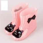 รองเท้าบูทยาง สีชมพูลายตาราง
