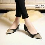 รองเท้าคัชชูทรงหัวแหลม วัสดุทำจากหนัง Pu นุ่มมากๆ ด้านหน้าทำจากผ้ากากเพชรสีทอง