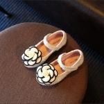รองเท้าคัทชูเด็ก สีขาว ดอกไม้