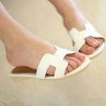 รองเท้าแฟชั่นเด็ก รองเท้าเด็ก สไตล์ Hermes สีขาว คุณภาพดี
