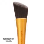 **พร้อมส่ง +ลด 50 %* Real Techniques : foundation brush สินค้ามีตำหนิด้ามจับเหนียว แก้ไขได้ด้วยการคลุกแป้งฝุ่น หายเหนียวแน่นอนค่ะ