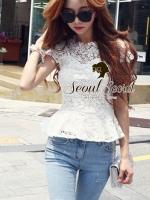 พร้อมส่ง ~ Seoul Secret Say's... Ivory Daisy Lace Blouse