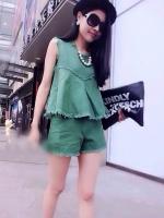 เสื้อและกางเกง ผ้ายีนส์ สีเขียว