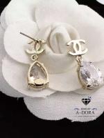 พร้อมส่ง ~ Chanel Earring รุ่นนี้ประดับเพชรตัดกับสีทองนุ่มๆ
