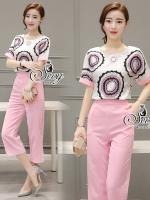 พร้อมส่ง ~ Sevy Two Pieces Of Pink Circle Short Sleeve Blouse With Pants Sets