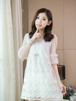 ชุดเดรสแฟชั่นเกาหลีผ้าชีฟองสีชมพูอ่อนๆ ตัดต่อลูกไม้ปักสีขาว มีซับใน