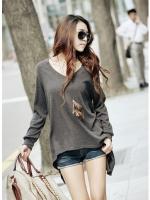 เสื้อแขนยาวแฟชั่นชายเสื้อเว้าด้านหน้า Korean vnew V-neck long-sleeved T-shirt