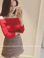 เสื้อยืดคอตตอนยืดทอแบบลอนลูกฟูก สีแดง