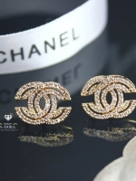 พร้อมส่ง ~ Chanel Earring ขอแนะนำเลยค่ะ ดีไซส์น่ารักกำลังดี งานติดหูเก๋ๆ