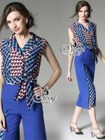 พร้อมส่ง ~ Sevy Two Pieces Of Triangle Stripes Sleeveless Blouse With Hidden Lora Wide Pants Sets