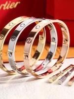พร้อมส่ง ~ Cartier Diamond Bracelet กำไลข้อมือหน้าโลโก้คาร์เทีย