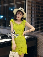 พร้อมส่ง ~ Sevy Shining Lemon Lace V-Neck Minimal Mini Dress