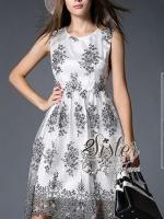 พร้อมส่ง ~ 2Sister made, White Beauty Korea Dress With Sparkling Black FLora Lace