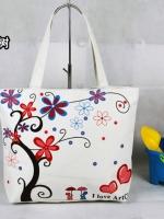 กระเป๋าผ้าแฟชั่น สารพัดประโยชน์ มีซิป ด้านในบุผ้าอย่างดี ลายดอกไม้