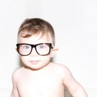 Mustachifier แว่นตากันเเดดสำหรับเด็ก