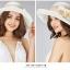 Pre-order หมวกผ้าไหมแท้ติดโบว์ดอกไม้แฟชั่นฤดูร้อน กันแดด กันแสงยูวี สวยหวาน สีครีม thumbnail 2