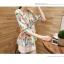 Pre-Order เสื้อชีฟองพิมพ์ลายดอกไม้ คอกลม แขนสั้นแค่ศอก จีบทวิสที่เอว ยาวคลุมสะโพก สวยหวานมาก พื้นสีเขียว thumbnail 2