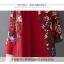 ชุดเดรสผ้าฝ่ายผสม ลายดอกไม้ มีกระเป๋า และกระดุมติดด้านข้างปรับทรงได้ สีแดง thumbnail 12