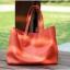 Pre-Order กระเป๋าสะพายผู้หญิง หนังแท้ หิ้วได้ สะพายได้ มีกระเป๋าชั้นในผ้าโพลีเอสเตอร์ถอดได้ สีแดง thumbnail 2