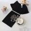 สินค้าพร้อมส่ง 한국에 의해 설계된 2Sister Made, Black Elegant Beauty Charming Dress เดรสสีดำลุคเรียบหรู เนื้อผ้าpolyesterสีดำเกรดดี กุ้นแต่งขอบสีขาวเก๋ๆ ช่วงบนทรงoversized แขนบานสวย เอวจั้ม แต่งประดับเลื่อมวิบวับช่วงเอวสวยมากค่ะแพทเทิร์นเข้ารูปเป็นทรงสวย สามารถใส thumbnail 8
