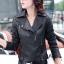 Pre-Order เสื้อแจ็คเก็ตหนัง PU เสื้อแจ็คเก็ตผู้หญิง เข้ารูปพอดีตัว สีดำ แต่งซิปเก๋ มีปก แฟชั่นสาวไบค์เกอร์ thumbnail 2