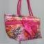 กระเป๋าสะพาย นารายา Size L คอลเลคชั่น ต้อนรับ ตรุษจีน ผ้าซาตินมัน พิมพ์ลายดอกไม้ ผูกโบว์ด้านหน้า สายหิ้ว หูเกลียว มีซิปสีทอง โลโก้นารายา (กระเป๋านารายา กระเป๋าผ้า NaRaYa กระเป๋าแฟชั่น) thumbnail 1