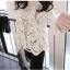 KTFN เสื้อแฟชั่น ผ้าลูกไม้โครเชต์ซีทรู แขนยาว สีขาว thumbnail 11