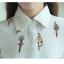 เสื้อเชิ๊ตแฟชั่นคอปก กระดุมด้านหน้า พิมพ์ลายตุ๊กตาบัลเล่ สีขาว thumbnail 6