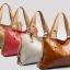 (Pre-order) กระเป๋าสะพายหนังแท้แบบเรียบๆ แฟชั่นกระเป๋าถือ ถุงสะพาย กระเป๋าสะพายสไตล์ยุโรป อเมริกา สีขาว thumbnail 4