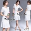 Luxurious White Classic Lace and Pleat Dress เดรสผ้าลูกไม้สไตล์งานแบรนด์เรียบหรูคลาสสิคค่ะ เนื้อผ้าลูกไม้เนื้อนุ่มใส่สบายผิว ทรงคอกลมแขนสั้น ใส่ออกงานได้หลายโอกาสค่ะ ตัดต่อช่วงเอวด้วยผ้าคาดเอวสีดำเส้นคู่เล็กๆ เน้นให้ชุดดูเด่นขึ้น ชายกระโปรงเป็นผ้าอัดพลีทช thumbnail 7