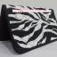 กระเป๋าสตางค์ นารายา ผ้าคอตตอน ลายม้าลาย สีขาว-ดำ ( กระเป๋านารายา กระเป๋าผ้า NaRaYa ) thumbnail 2