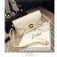 Pre-Order กระเป๋าคลัทช์ปั๊มลายตารางเนื้อมันเป็นเงา สีครีม กระเป๋าแฟชั่นผู้หญิง เปลี่ยนเป็นกระเป๋าถือออกงานหรูได้ หรือใช้เป็นกระเป๋าสะพายไหล่ได้ thumbnail 3