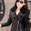 Pre-Order เสื้อแจ็คเก็ตหนังผู้หญิง สีดำ แต่งซิปหน้าและกระเป๋า ปกเฟอร์ แขนยาว แฟชั่นเสื้อกันหนาวสไตล์เกาหลี thumbnail 3