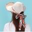 Pre-order หมวกแฟชั่น หมวกแก็ปปีกกว้าง หมวกฤดูร้อน กันแดด กันแสงยูวี สีเบจแต่งด้วยผ้าพิมพ์ลายดอกไม้ thumbnail 2